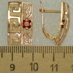 Серьги прямоугольник циркон красный М465
