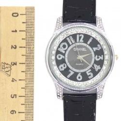Часы с черным ремнем чц I
