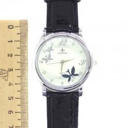 Часы с черным ремнем бц I