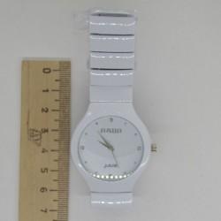 Часы R на белом браслете