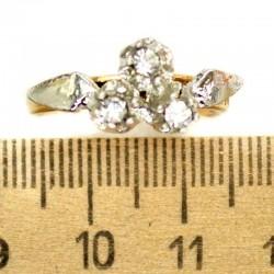Кольцо мм М13 3х камни белые